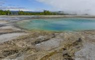 Wyoming, Northwest - Yellowstone National Park Midway Geyser Bassin 06.JPG