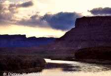 Der Colorado Riverway - Utahs schönster Scenic Byway - Sonnenaufgang am Colorado River.JPG